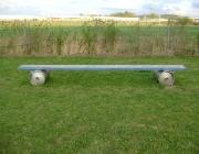 Hundebetreuung Wien / Trainingsgeräte - Faßbrücke ( Die Faßbrücke kommt ebenfalls beim Rettungshundetraining zum Einsatz).